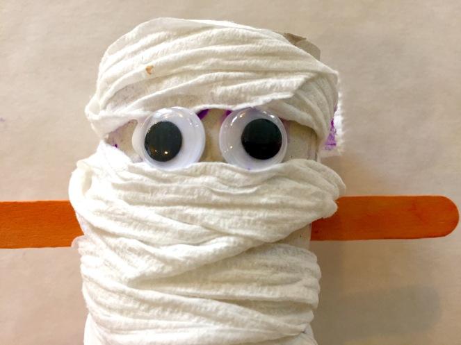mummy-eyes