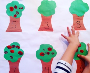 Children's Counting Activity Apples on Tree